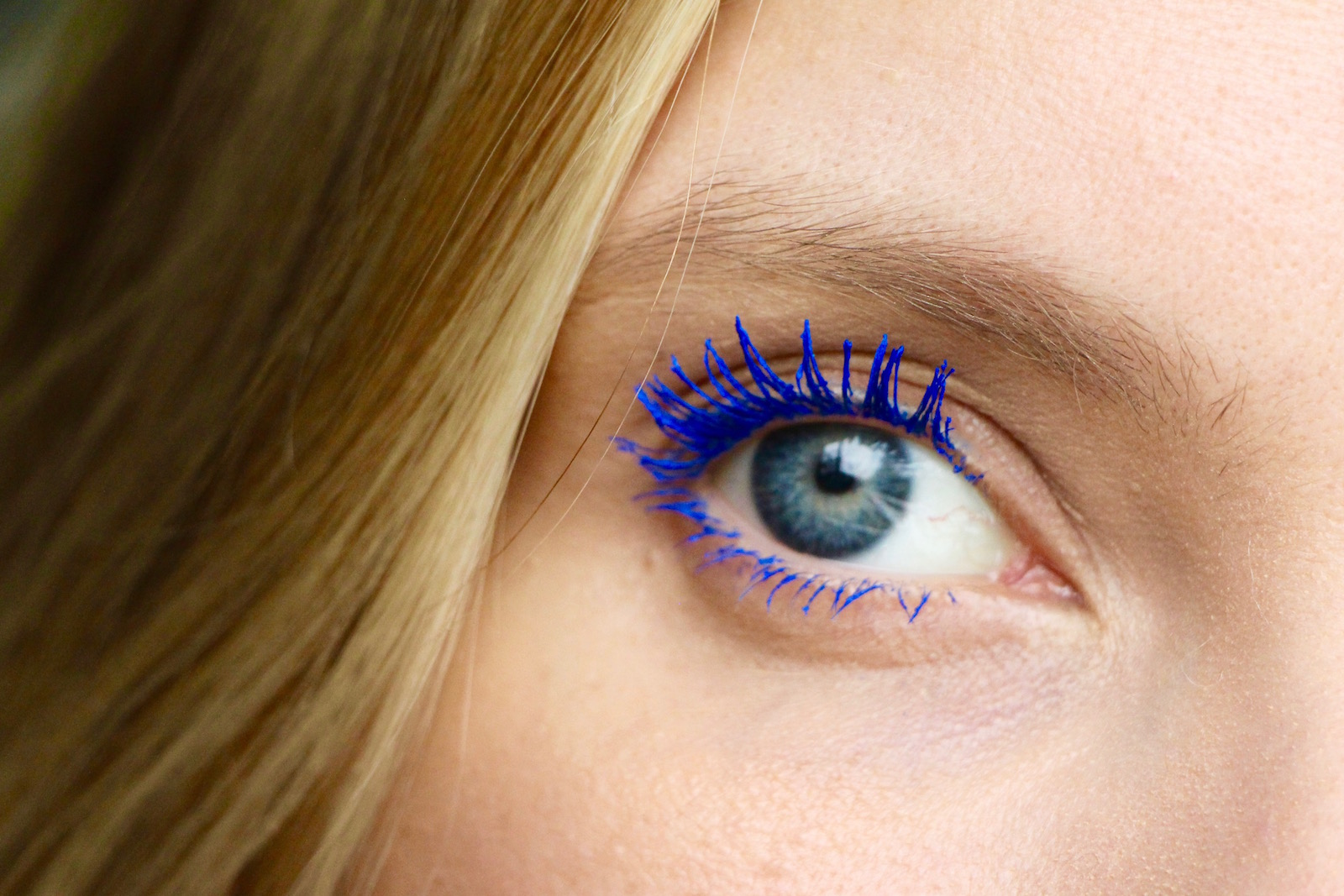fafb7f58c15 Vinyl Couture Mascara and the Easiest Blue Eyes | A Model Recommends