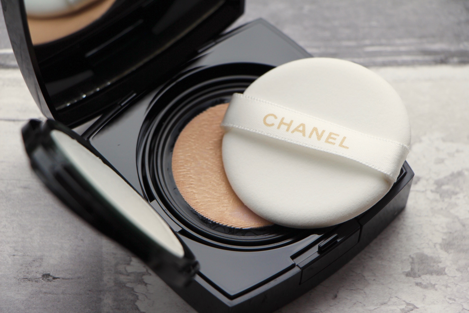 850538e4a72d Foundation Review: Chanel Les Beiges Gel Touch Cushion | A Model ...