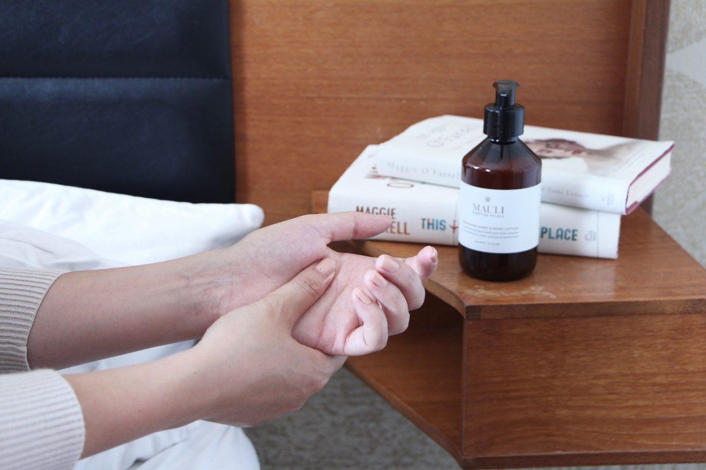 stress relief hand massage