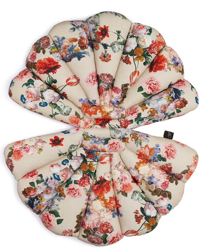 garden glory sea shell seat pad